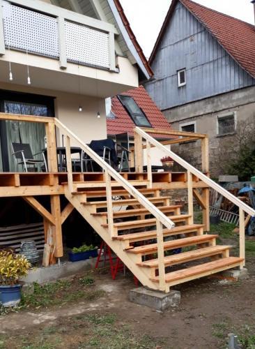 Terasse mit Treppe